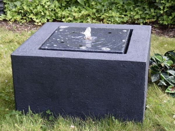 Granimex Wasserquelle Quader inkl. LED-Beleuchtung und Pumpe